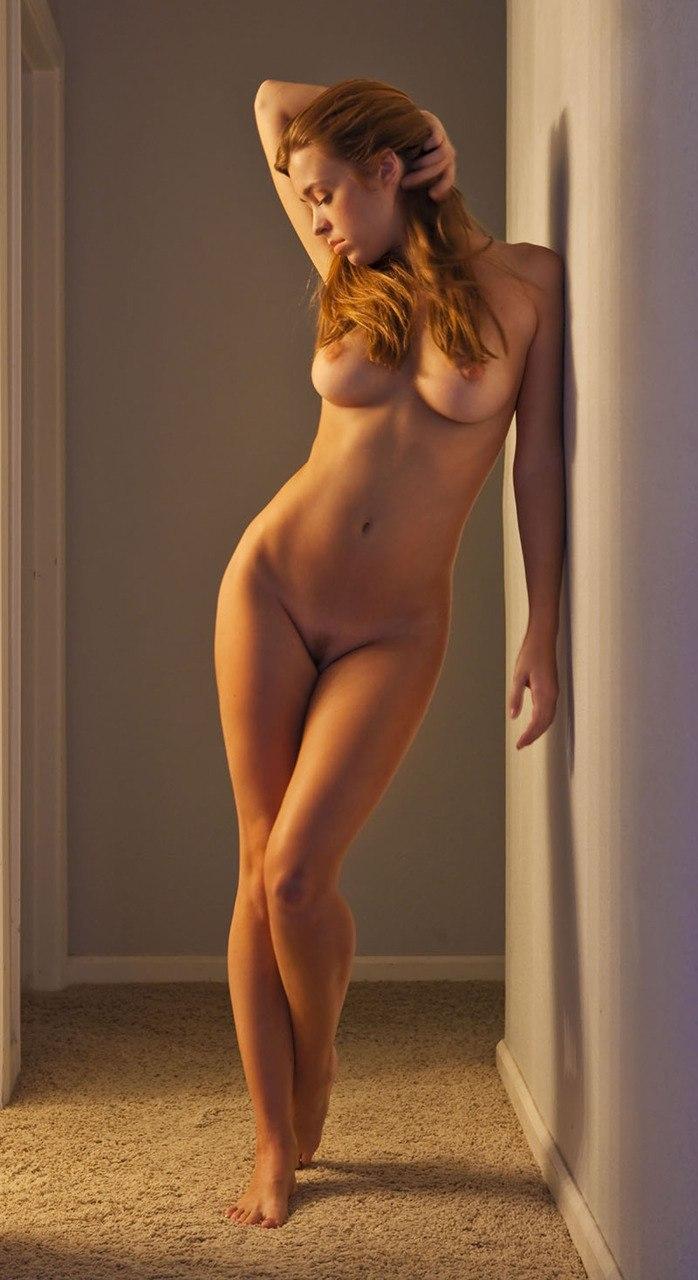 Фотки совсем голых женщин 12 фотография