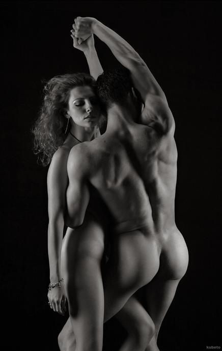 eroticheskiy-tanets-parnya