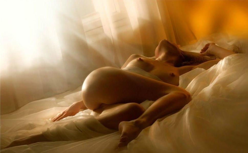 Поздравление картинкой голой девушки, приятного аппетита
