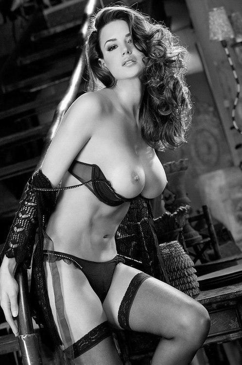 фото голых моделей в эро белье