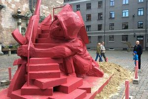 riga-child-slide-ss-soldier