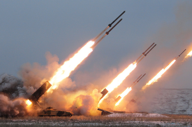 ukr_multiple_rocket_launcher_firing