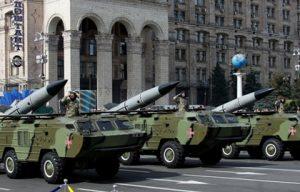 ukr_Tochka_Missiles_in_Kiev