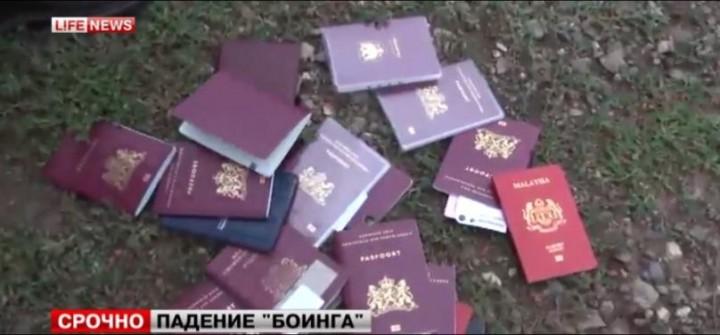 ukr_boeing_passports-mh17