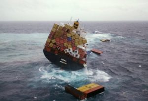 container-ship-crashes